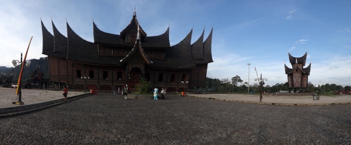 Istana Baso Pagaruyung di kecamatan Tanjung Emas, kota Batusangkar, kabupaten Tanah Datar, Sumatera Barat.