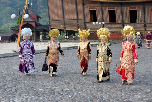 Dandan Ala Minang di Istana Baso