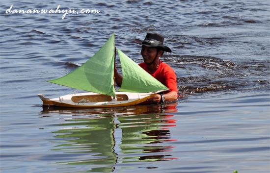 perahu jung ukuran kecil - 50 centimeter