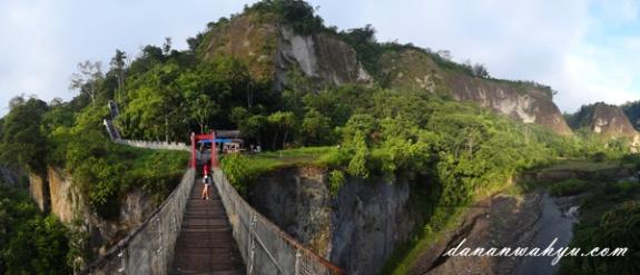 paling pas dinikmati usai joging pagi di Janjang Seribu