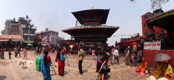 bangunan dua tingkat kuil Manakamana
