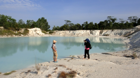 dahulu tidak ada yang menyangka bekas tambang Kaolin diminati wisatawan dan memberikan dampak ekonomis