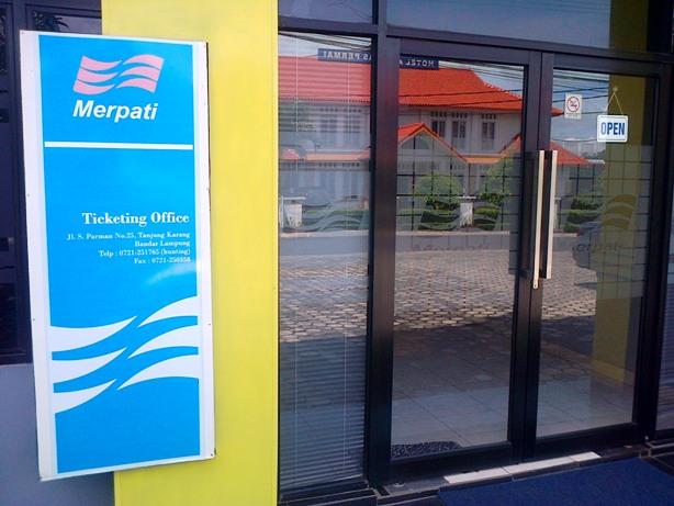 kantor tiketing Merpati di Jalan S Parman, Bandar Lampung