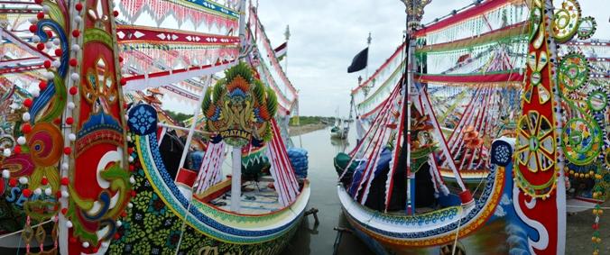 perahu dihias meriah jelang petik laut