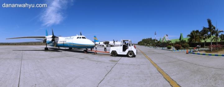 Merpati Air di bandara El Tari Kupang