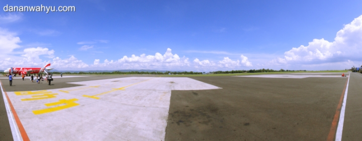 Air Asia di Bandara Adisucipto Jogjakarta