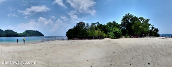 penampakan pulau Kelagian Lunik