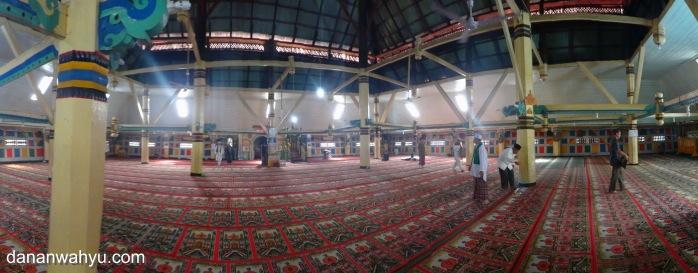 interior masjid Agung Pondok Tinggi