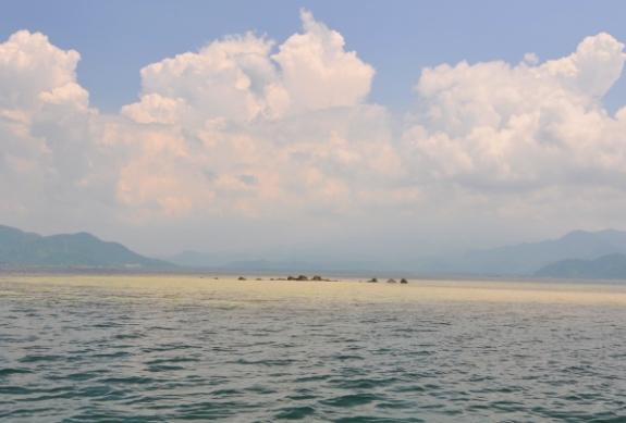 Batu Mandi Spot Snorkeling di Teluk Lampung