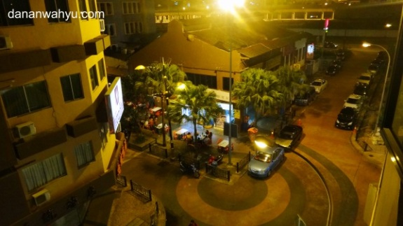 Akhirnya mendapatkan hotel di Jalan Meldron