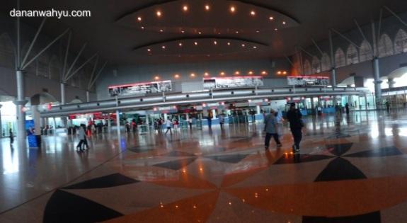 Stasiun kereta api Woodland terintegrasi Johor Baru Sentral