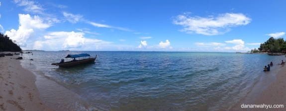 garis pantai landai tempat asyik bermain air
