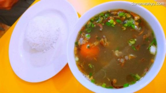 Sup Ayam mie Tua Poh Tie tak terlihat istimewa