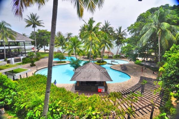 Aqua pool, kolam renang di area sayap Riani