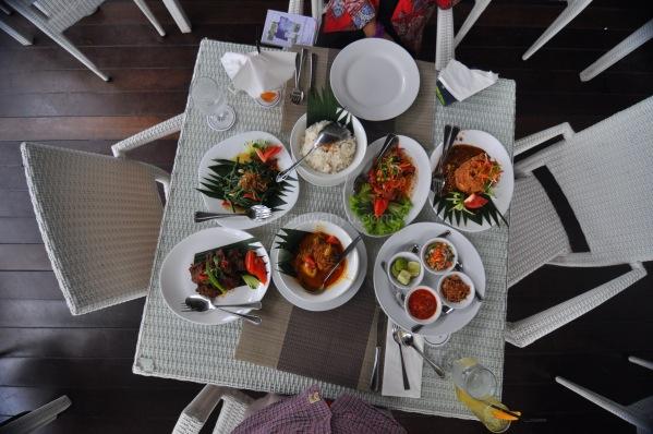 Makan Besar Ala Indonesia