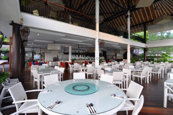 Lantai Satu Taming Sari Café, Lantai Dua Cinta Manis Restaurant