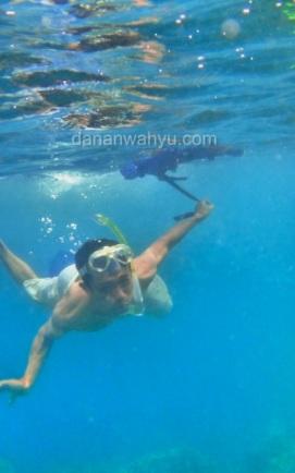 Berenang di Teluk Lampung