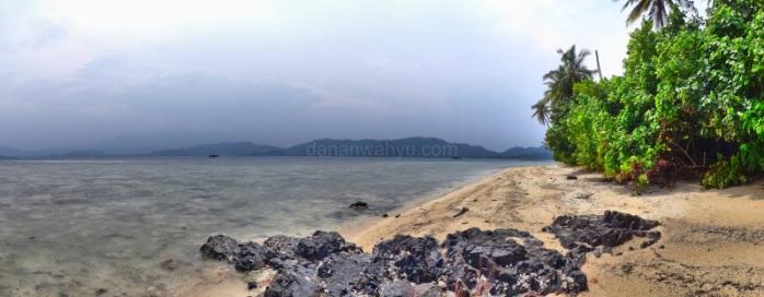 sisi lain pantai Tanjung Putus