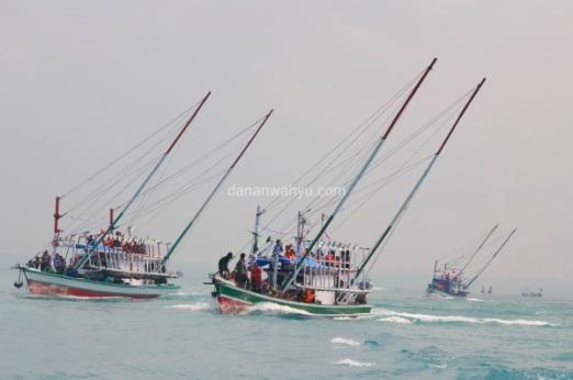 gagah berani menghadapi samudra