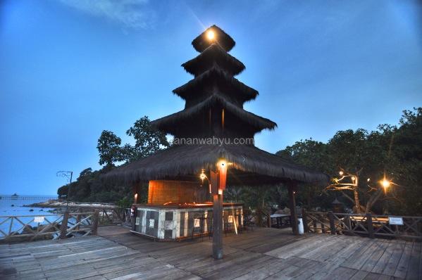 Island Bar , Turi Beach Resort