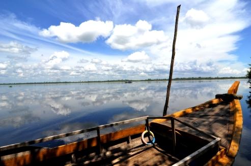 tepi sungai Meranti, Riau