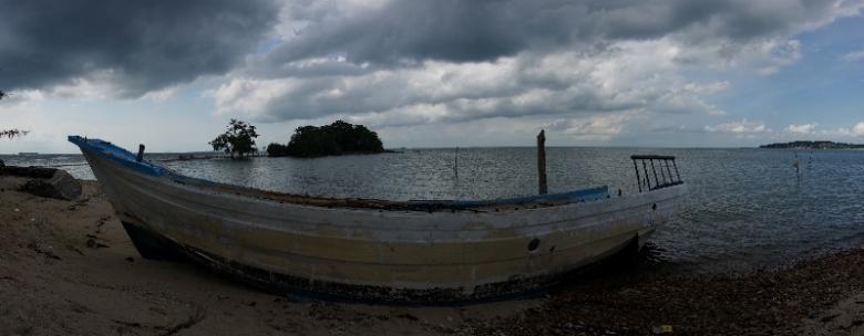 kapal karam di pulau Putri