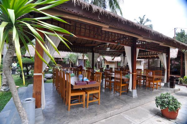 pondok cantik dan romantis disediakan khusus bagi pengunjung