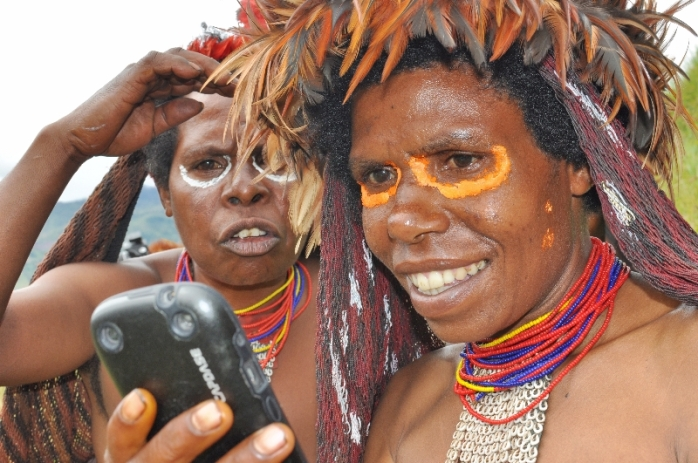 Two Wamena Girls Try Selfie