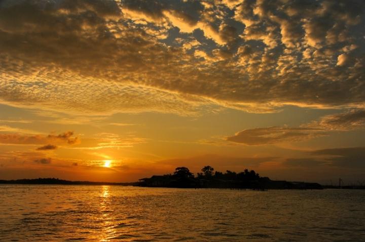 Pulau Buluh , pulau tertua berpenghuni di kawasan administratif kota Batam
