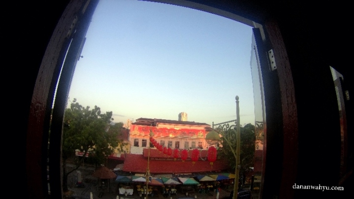 Pemandangan dari kamar Red Inn Hostel Butik