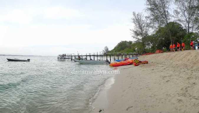 fasilitas sea sport di pulau Beralas Pasir