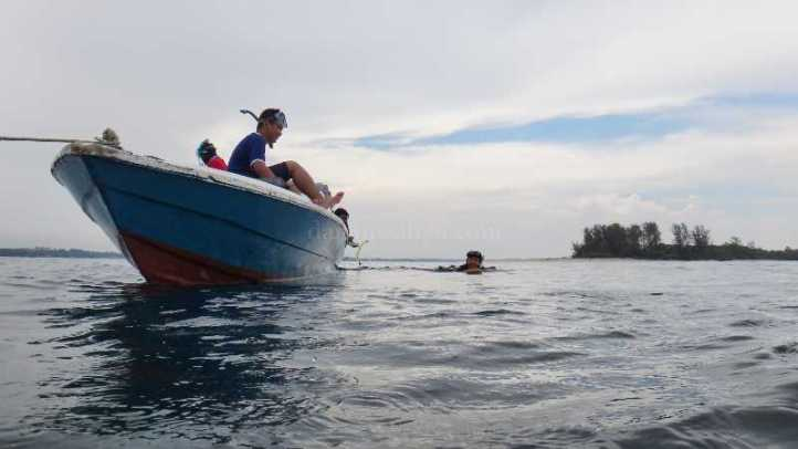 snorkeling cantik di Pulau Berlasa Pasir
