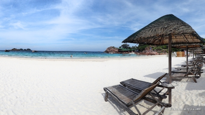 pantai pasir putih -  halaman Laguna Resort