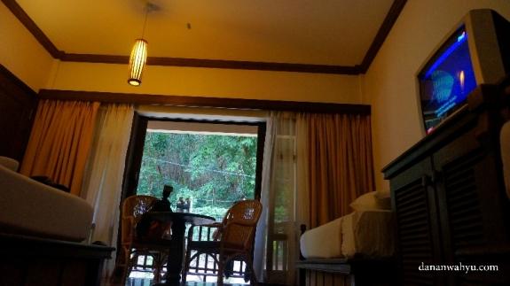 interior gaya rumah tropis kamar  Laguna Resor