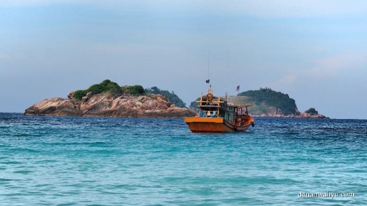 pulau kecil di dekat pulau Redang