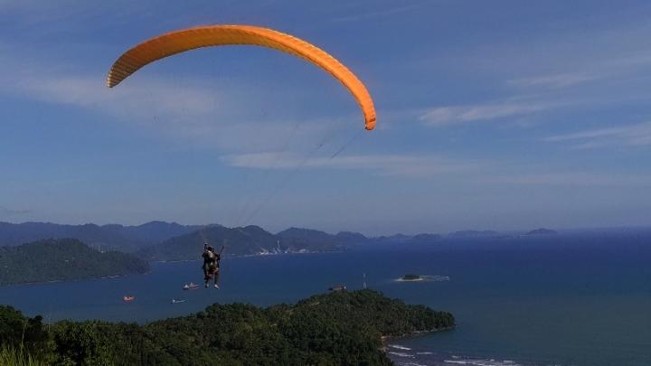 Menantang adrenalin di puncak Gado-Gado kota Padang