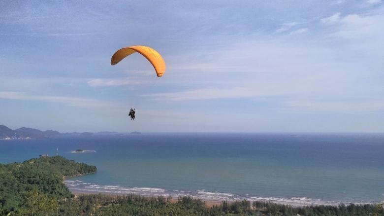 Akhirnya aku melayang di udara
