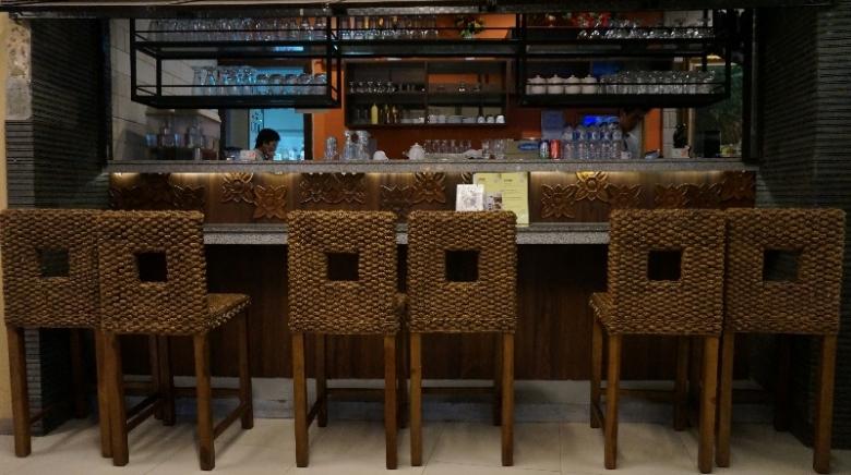 Mini Bar di Bebek Tepi Sawah Batam