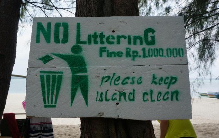 membuang sampah didenda sejuta, membuang mantan gratis