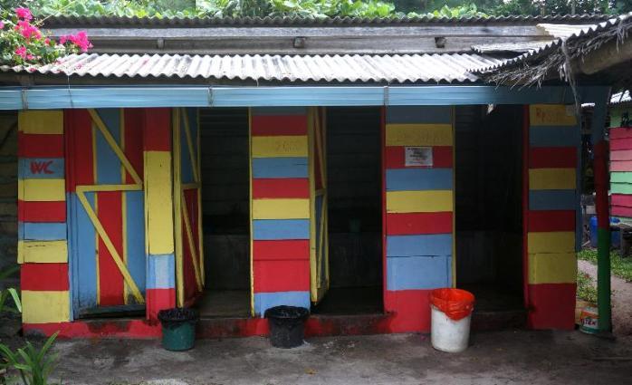 kamar mandi bayar 2 ribu