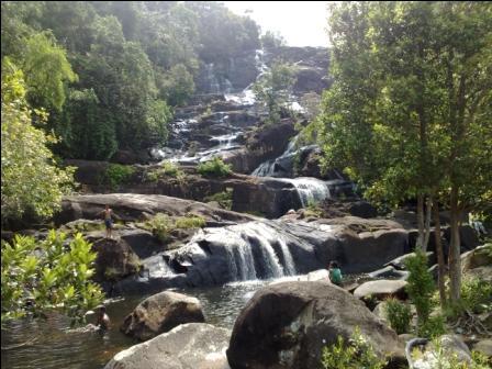 Air Terjun Temburun (sumber: http://awalinfo.blogspot.com)