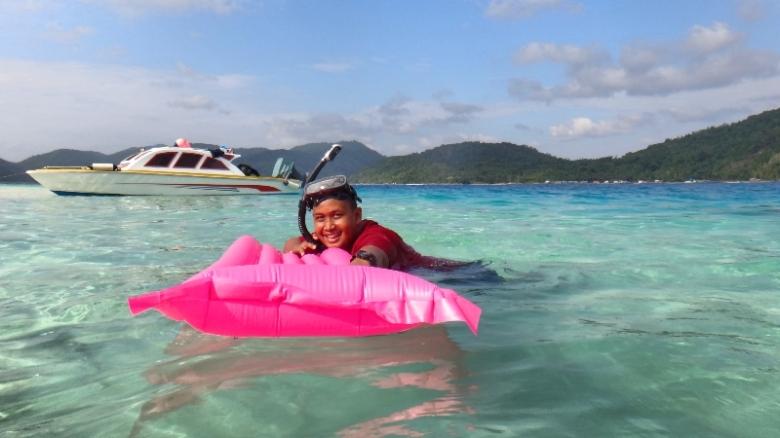 Pulau Tenggiling Anambas - Meski tak sepopuler Pulau Bawah , pulau di Anambas selalu indah