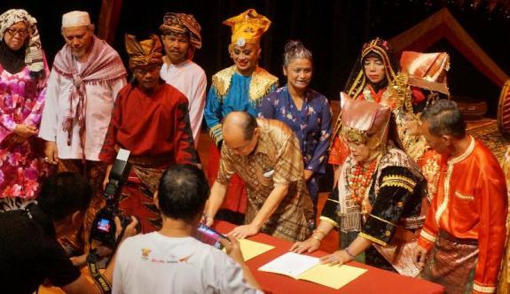 penandatanganan kerjasama antara ISI Padangpanjang dengan Persatuan Minangkabau Singapura