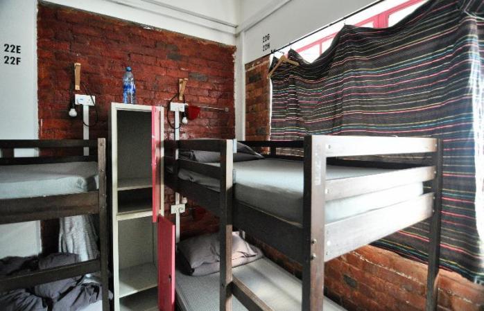 kamar hostel berjamaah
