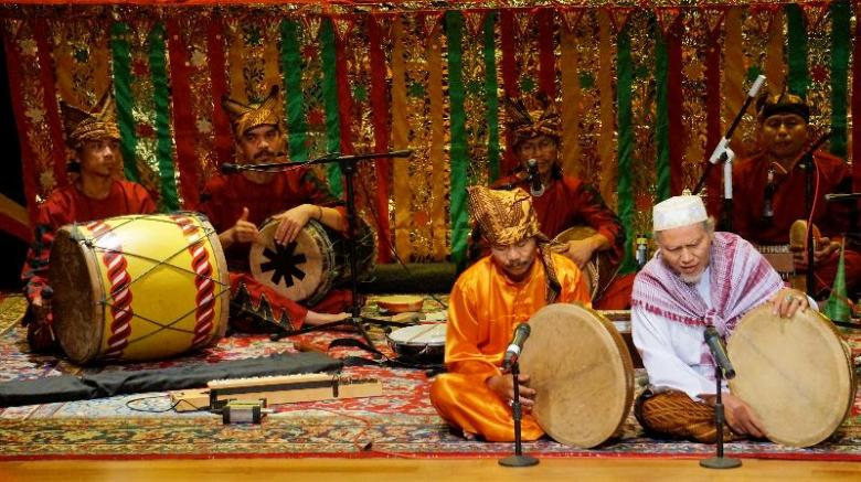 harmonisa alat musik tabuh