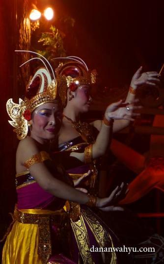 lenggak-lenggo penari Bali