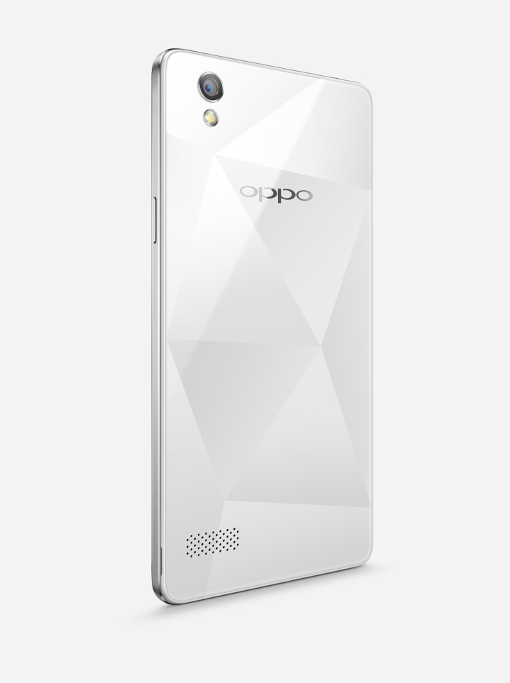 Mirror 5 membawa keunikan desain potongan berlian