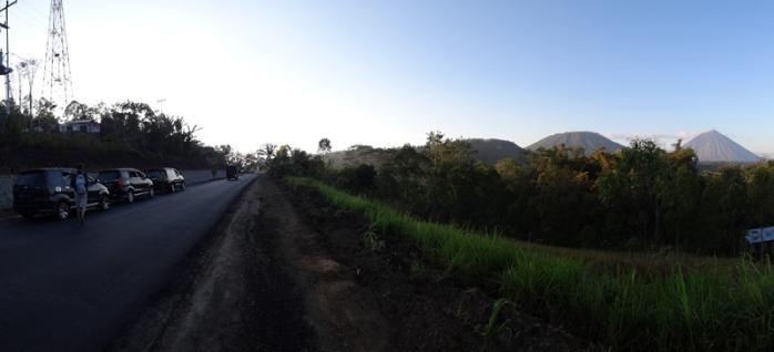 bersama Avanza menikmati gunung Irine, Flores