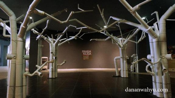 Rimba Nusa karya Suzy Sulaiman