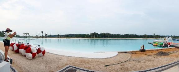 Laguna Kristal, kolam air asin seluas 6,3 hektar